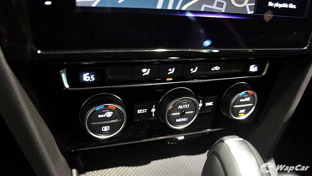 2020 Volkswagen Passat 2.0TSI Elegance Interior 101