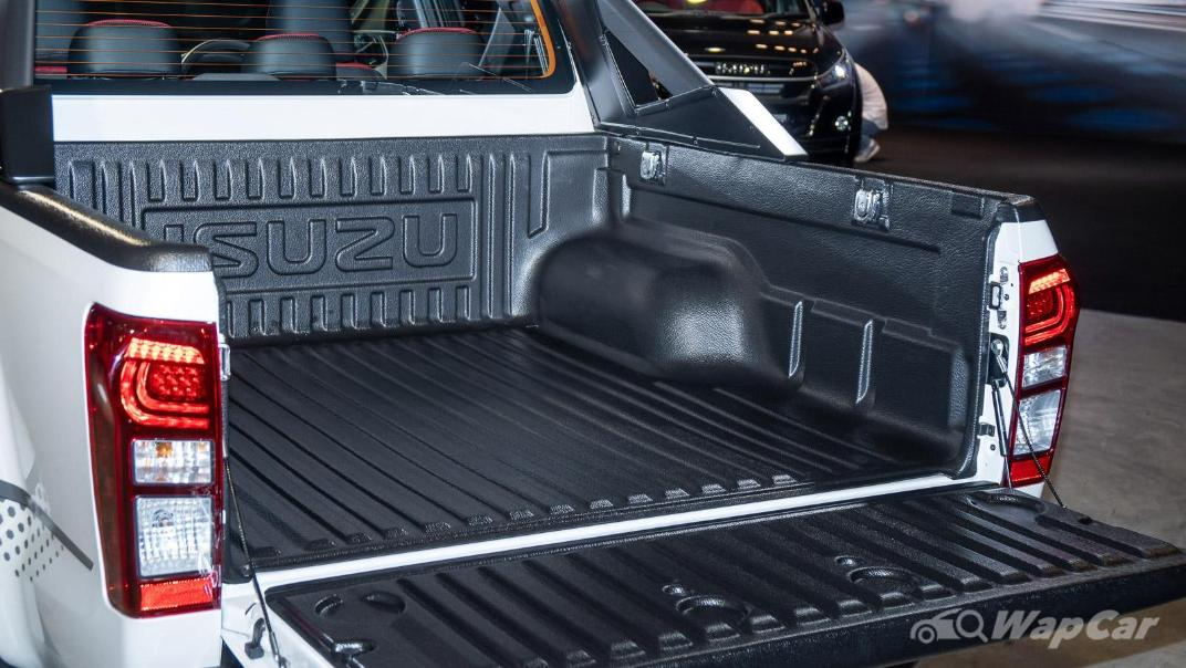 2020 Isuzu D-Max Stealth 1.9L 4×4 AT Exterior 025