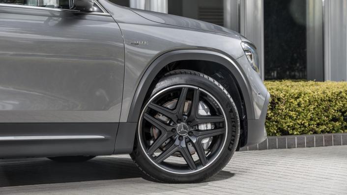 2020 Mercedes-AMG GLB 35 4MATIC Exterior 010