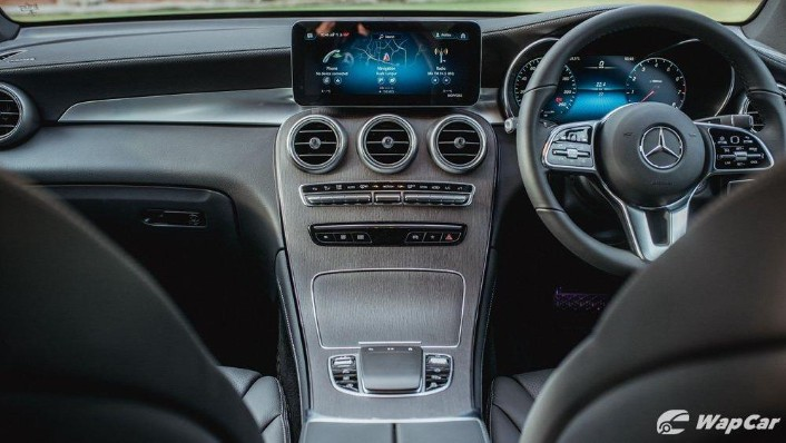 2020 Mercedes-Benz GLC 200  Interior 001