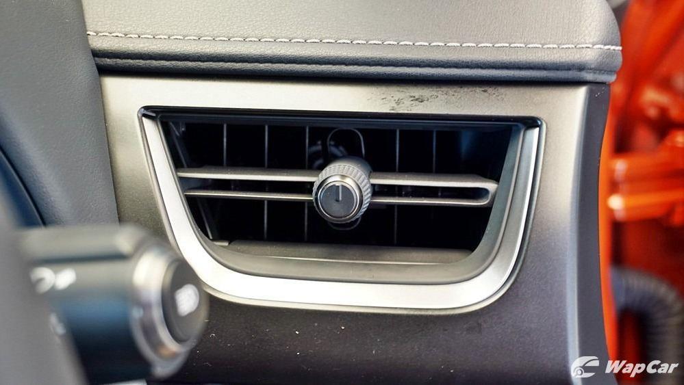 2020 Lexus UX 200 Urban Interior 018