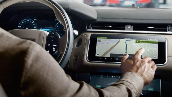 Land Rover Range Rover Velar (2018) Interior 006
