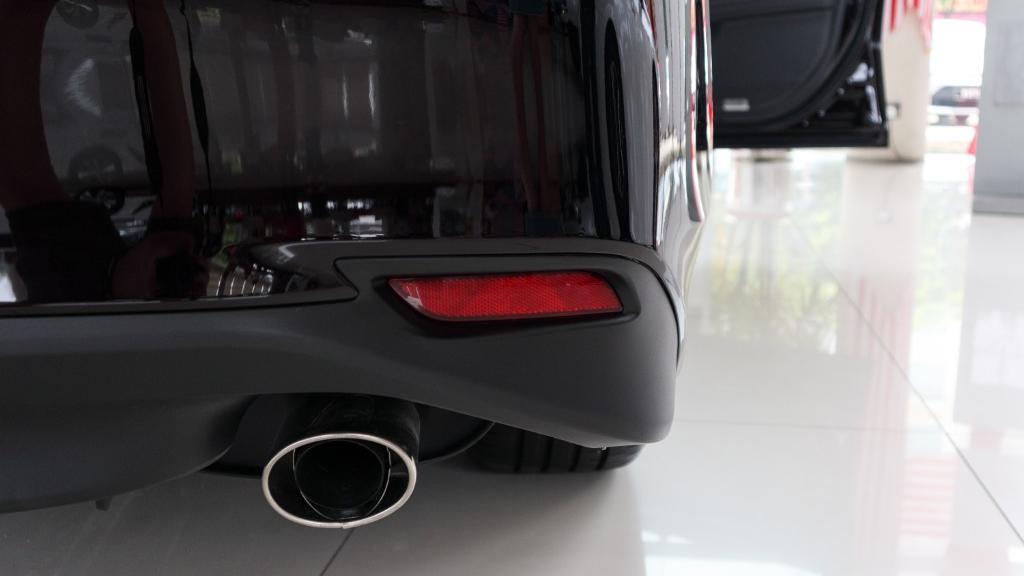 2019 Toyota Camry 2.5V Exterior 014