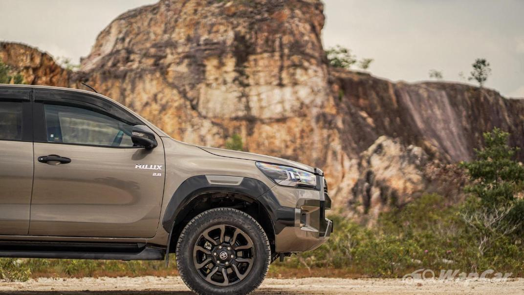 2020 Toyota Hilux Double Cab 2.8 Rogue AT 4X4 Exterior 110