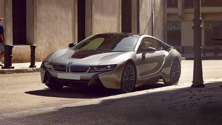 BMW i8 Coupe (2019) Exterior 001