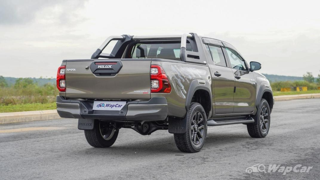2020 Toyota Hilux Double Cab 2.8 Rogue AT 4X4 Exterior 005