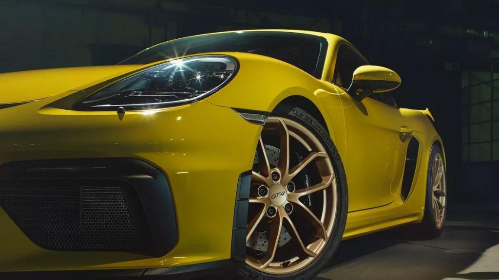 2019 Porsche 718 Cayman GT4 Exterior 010