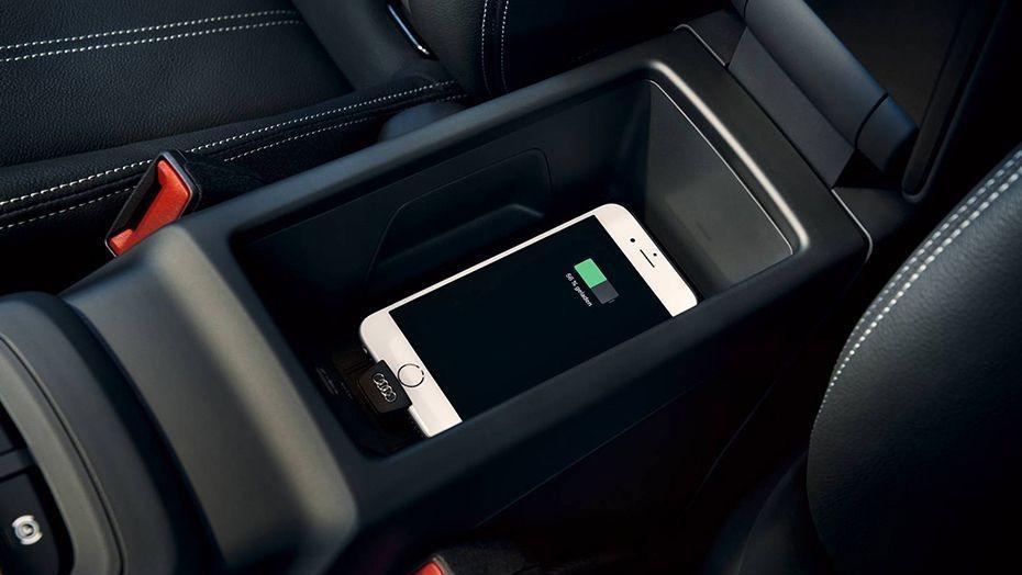 Audi Q2 (2019) Interior 007