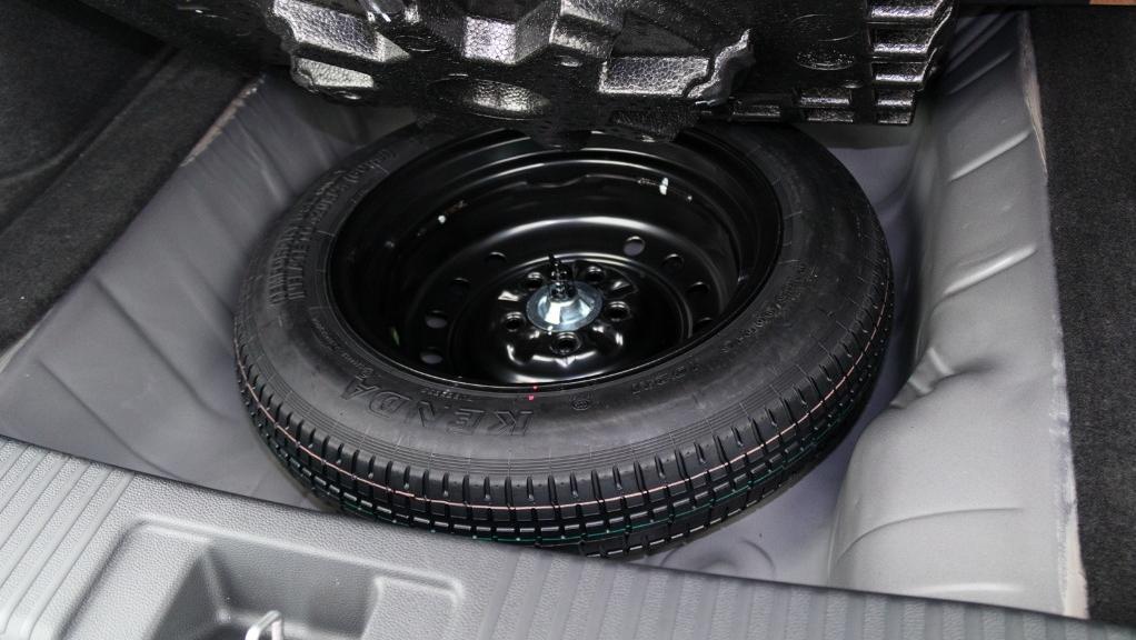 2019 Honda HR-V 1.8 E Interior 054