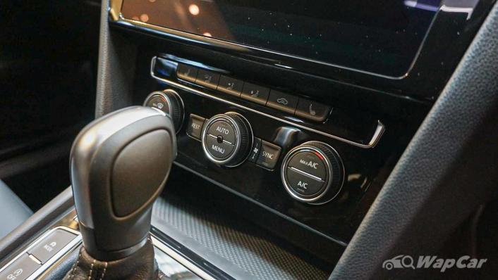 2020 Volkswagen Arteon 2.0 TSI R-Line Interior 009