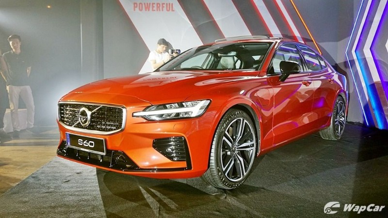 The 2020 Volvo S60 CKD isn't limited to 180 km/h, yet 02