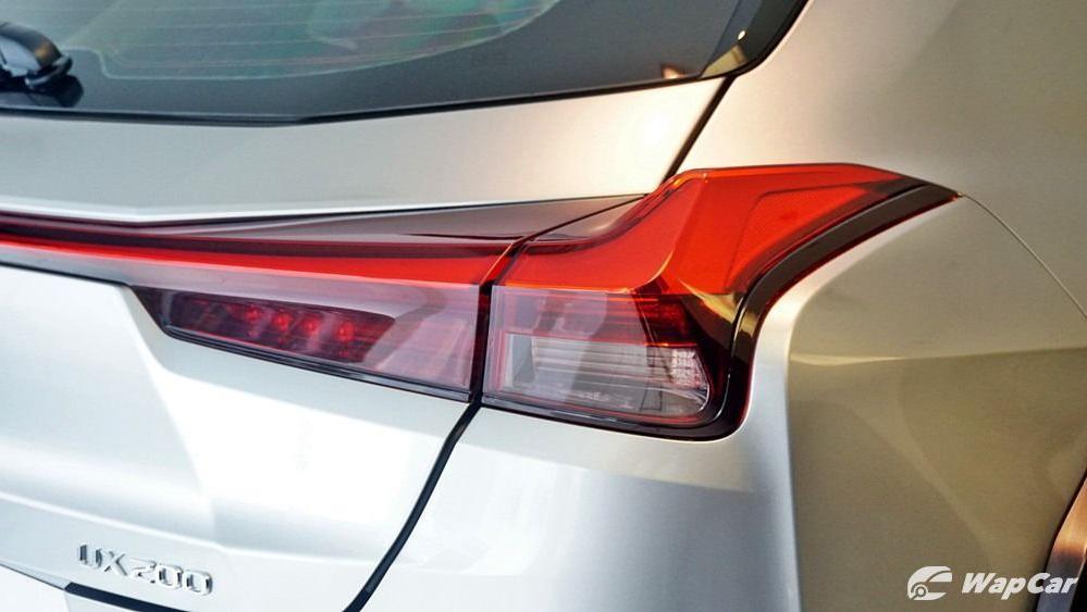 2020 Lexus UX 200 Luxury Exterior 013