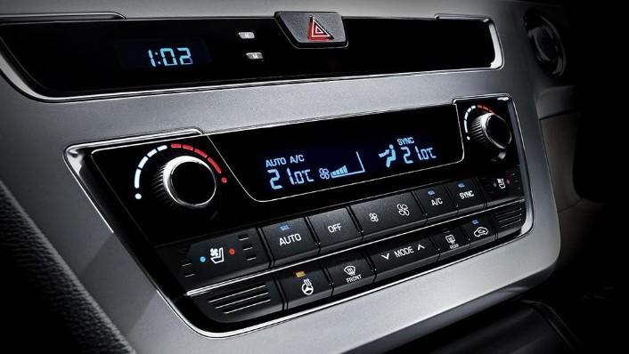 Hyundai Sonata (2017) Interior 004