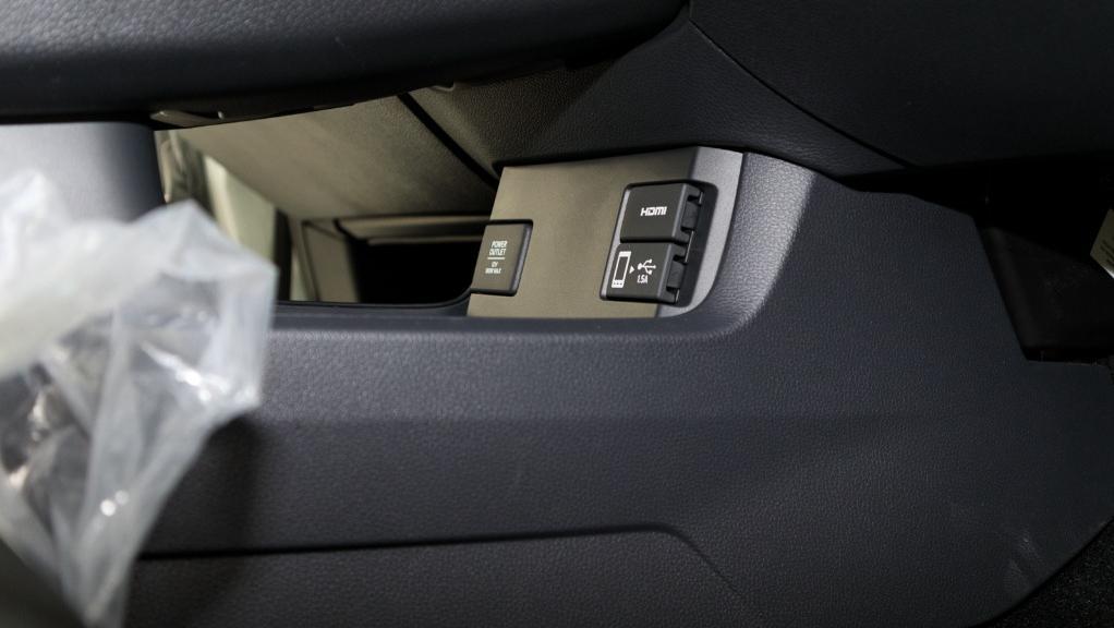 2018 Honda Civic 1.5TC Premium Interior 041