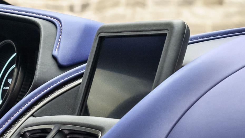 Aston Martin DB11 (2018) Interior 002