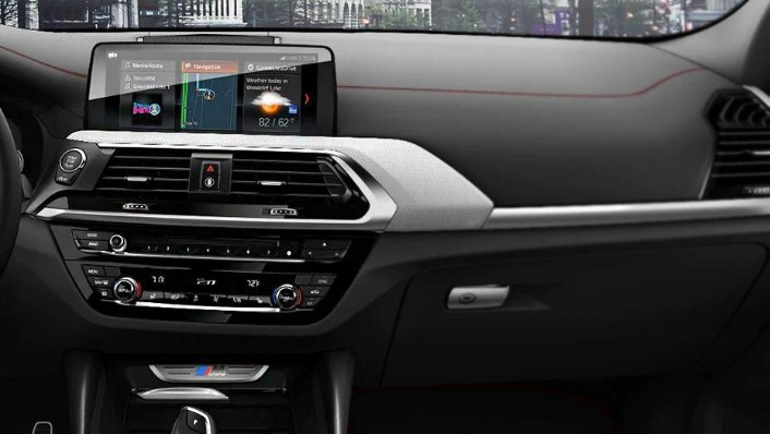 BMW X4 (2018) Interior 003