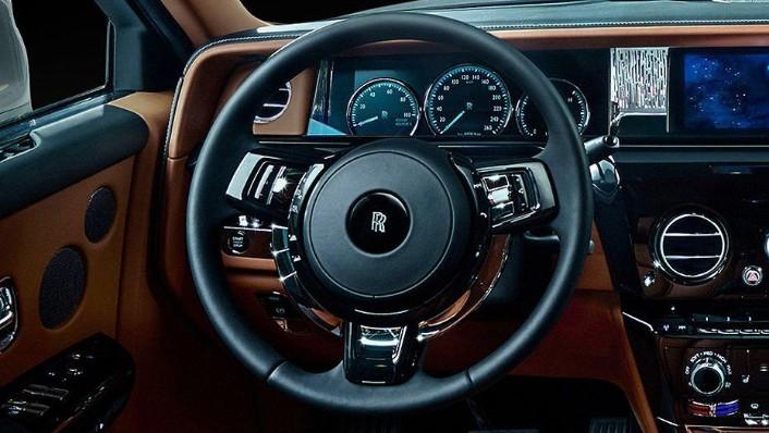 2017 Rolls-Royce Phantom Phantom Interior 002