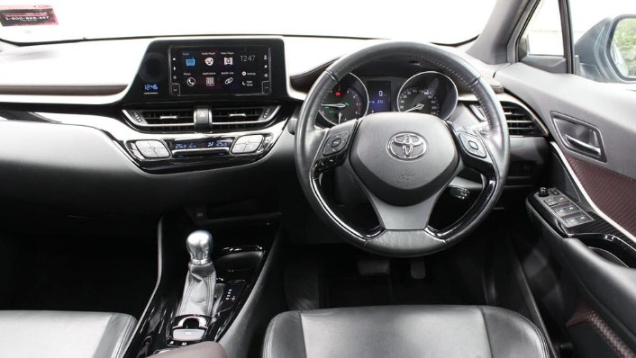 2019 Toyota C-HR 1.8 Interior 001
