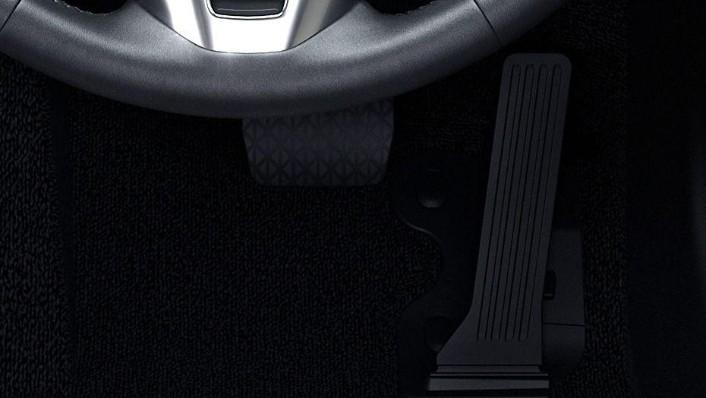 Mazda 2 Sedan (2018) Interior 010