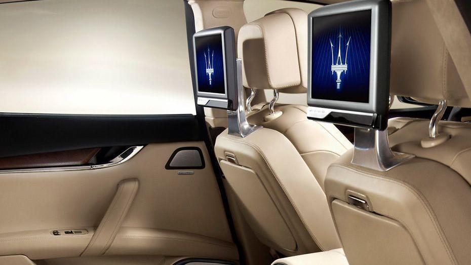 Maserati Quattroporte (2018) Interior 010