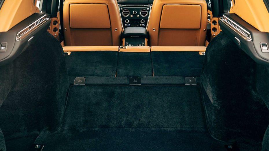 2018 Rolls-Royce Cullinan Cullinan Interior 012