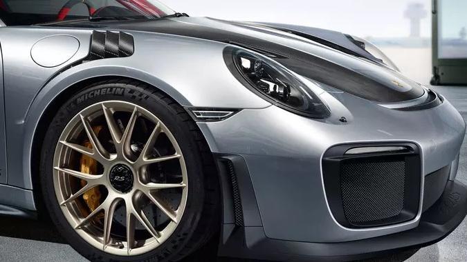 2019 Porsche 911 GT2 RS Exterior 009