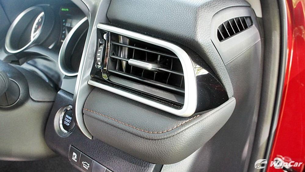 2019 Toyota Camry 2.5V Interior 090