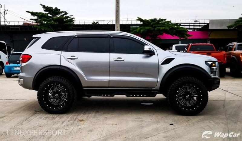 Ford Everest gets a Raptor-esque, custom makeover 02