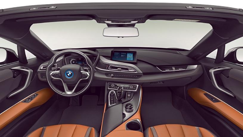 BMW i8 Roadster (2018) Interior 001