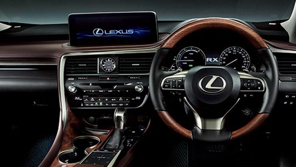 Lexus RX (2019) Interior 004