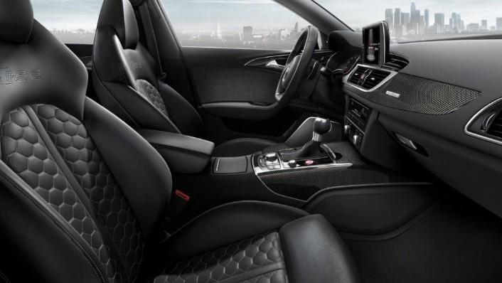 2020 Audi RS6 Avant Interior 002