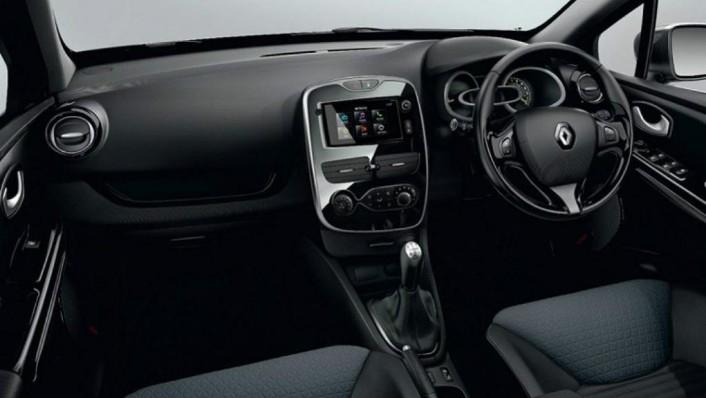 Renault Clio (2019) Interior 001