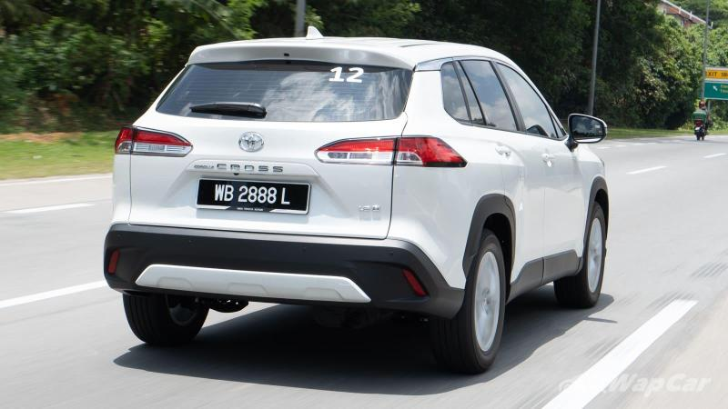 Video: 2021 Toyota Corolla Cross quick review in Malaysia, how does it compare to the HR-V?! 02