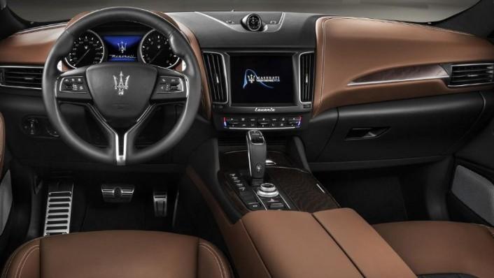 Maserati Levante (2019) Interior 001