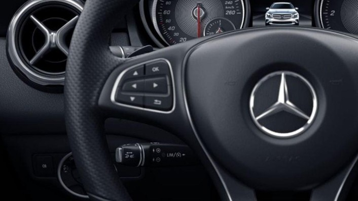 Mercedes-Benz GLA (2018) Interior 004