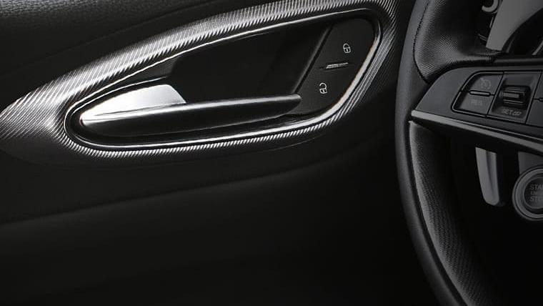 Alfa Romeo Giulia (2019) Interior 037