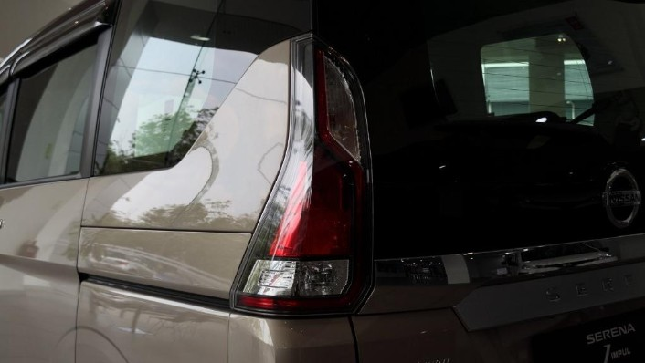 2018 Nissan Serena S-Hybrid Highway Star 2.0 Exterior 010