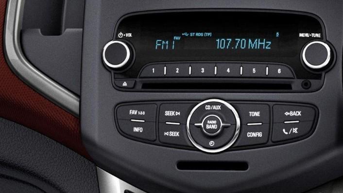 Chevrolet Sonic Sedan (2016) Interior 006