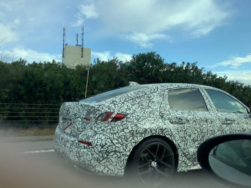 Spied: All-new 2022 Honda Civic Hatchback spotted in Japan; to debut soon 02