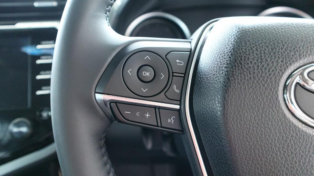 2019 Toyota Camry 2.5V Interior 008