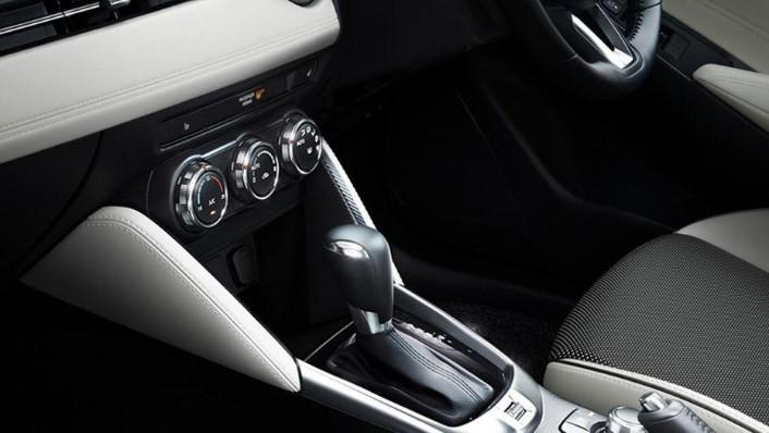 Mazda 2 Hatchback (2018) Interior 006
