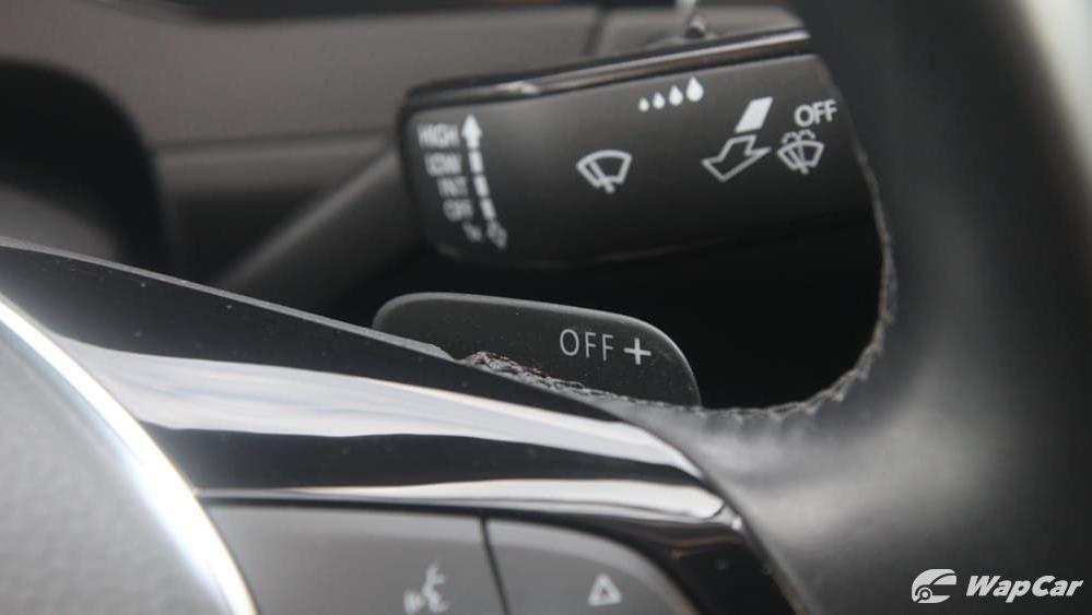 2018 Volkswagen Passat 2.0 TSI Highline Interior 012