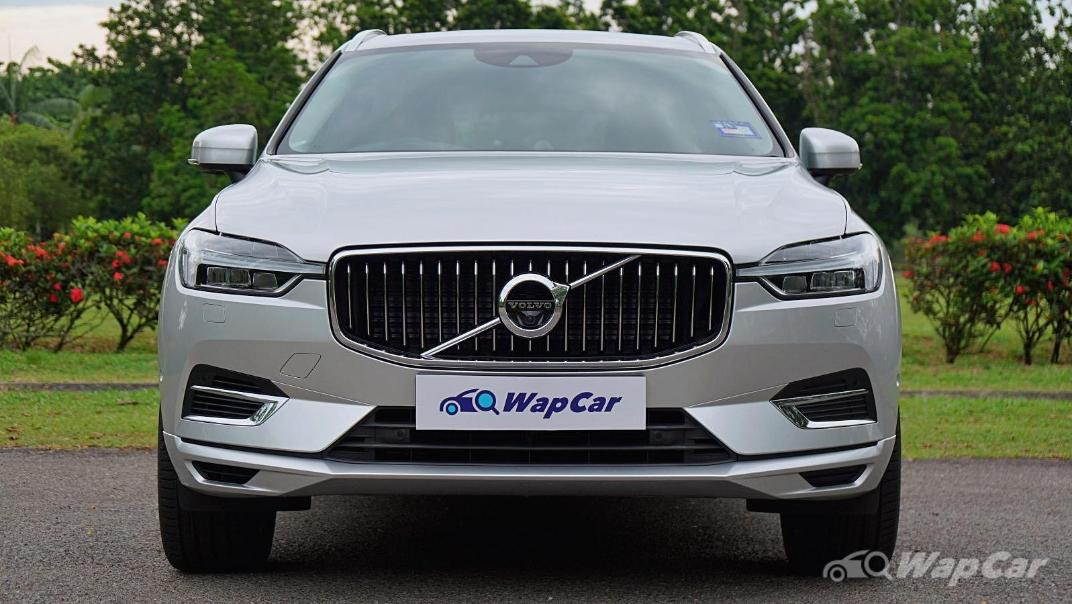 2020 Volvo XC60 T8 Twin Engine Inscription Plus Exterior 009