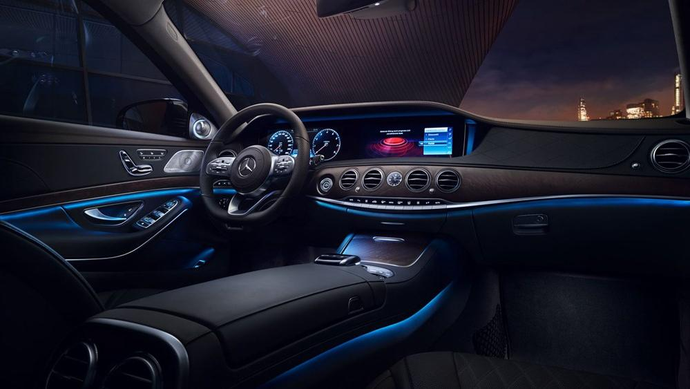 2019 Mercedes-Benz S 560 e Exclusive Interior 001