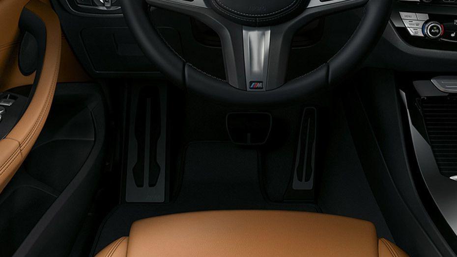 BMW X3 (2019) Interior 003