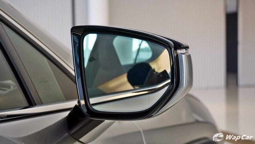 2020 Lexus UX 200 Luxury Exterior 021