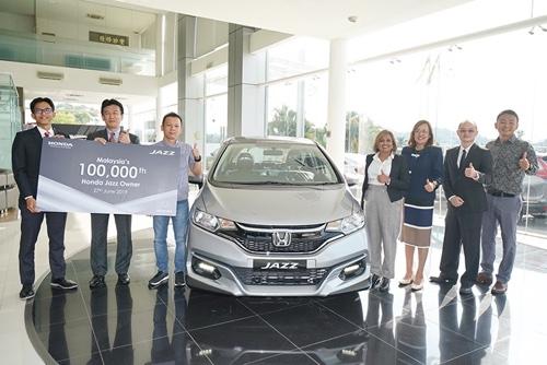 Malaysia's No.1 Compact Hatchback, Honda Jazz Achieves Its 100,000 Customers Milestone 02