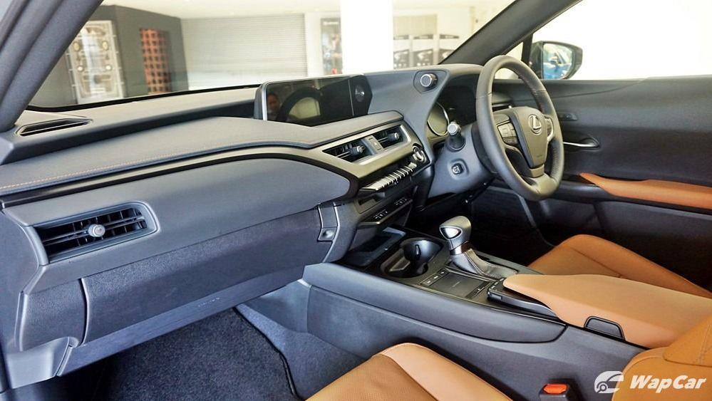 2020 Lexus UX 200 Luxury Interior 003