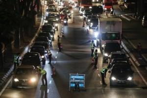 CMCO: No more 10 km radius travel restriction