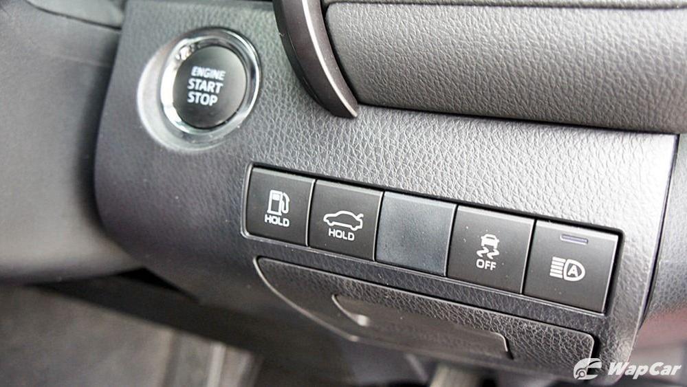 2019 Toyota Camry 2.5V Interior 091